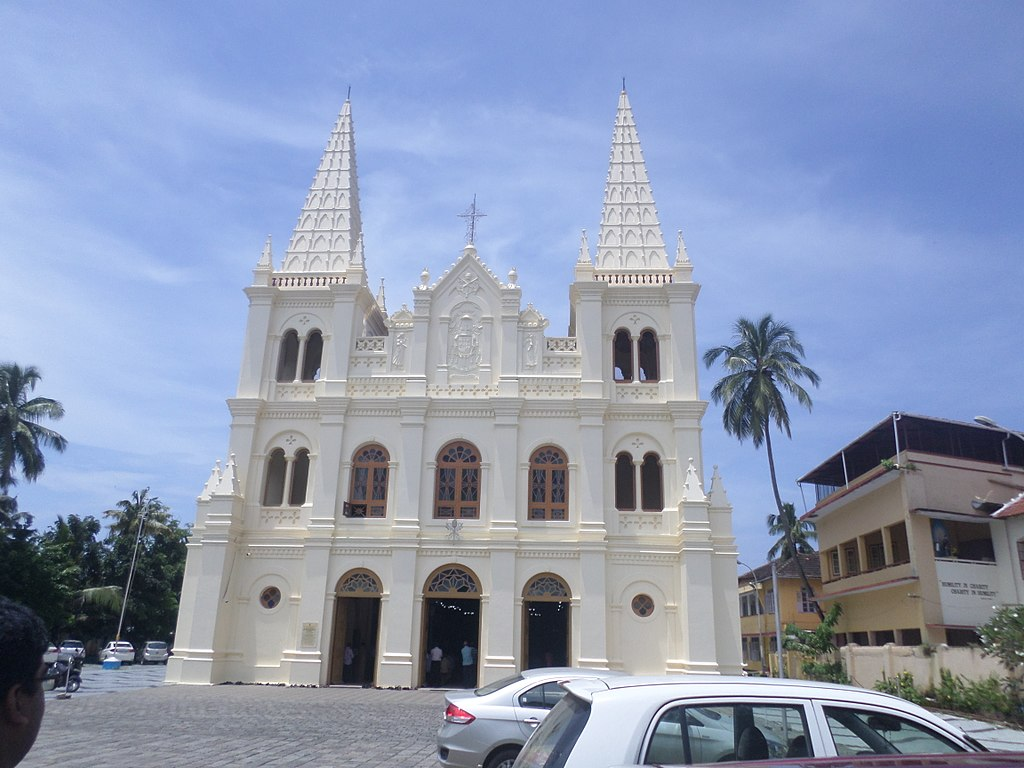 Cochin-Munnar-Thekkady-Alleppey Tour Package